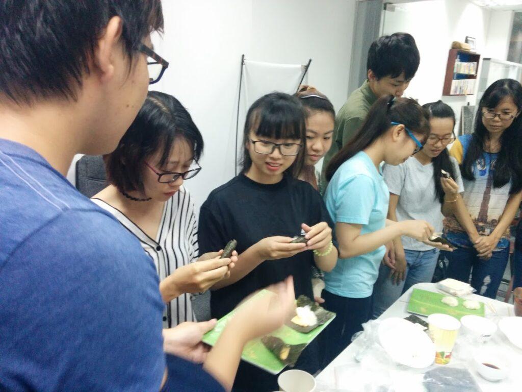 現地語を全く話せない日本人が、ベトナムで現地人向けイベントを開催できたのはなぜか?